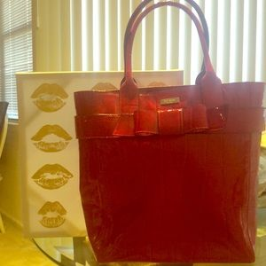 Kiss me Kate! Red patent leather Kate Spade tote❤️